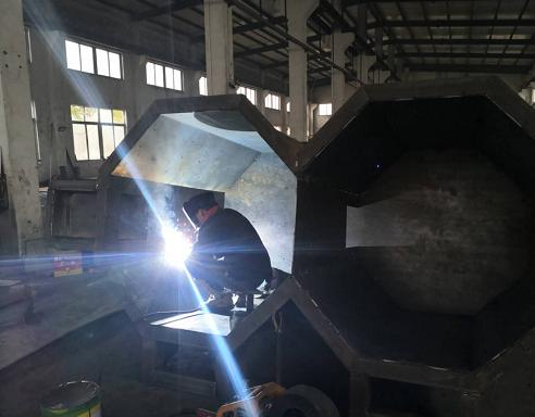 Quartz sand processing and sand washing equipment of Sinonine is in orderly production